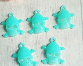 Set of 5 charms skulls neon Mint acrylic