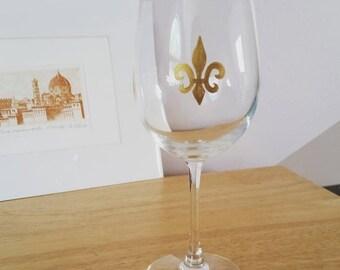 Fleur de Lis hand-painted Wine Glass- dishwasher safe!