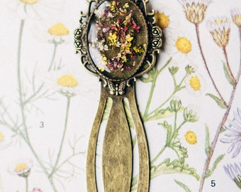 Pressed Flower Bookmark, Vintage Book Floral Resin
