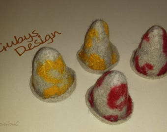 Egg warmer from felt-set of 4-yellow and red in beige-Naßfilzen-Handmade