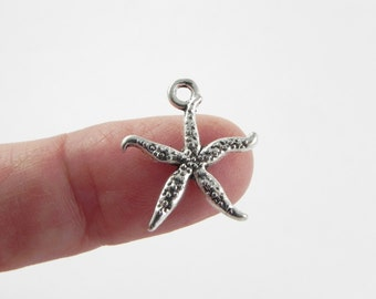 20 Starfish Charms in Antiqued Silver - 18mm x 16mm
