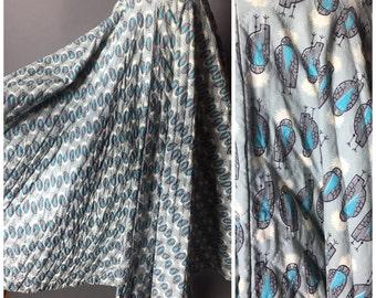 Vintage 50s skirt / 1950s skirt / novelty print skirt / owl print / circle skirt / quilted skirt / 6023