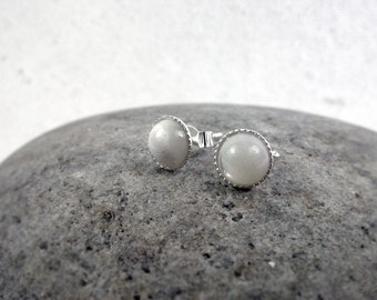 Mother Of Pearl Stud Earrings, Dainty Pearl Earrings, Small Pearl Stud Earrings, Sterling Silver Pearl Stud, Wedding Jewellery, Gift for Her