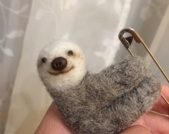 Small sloth. Cute sloth. Art doll. Needle felted animals. Felted animal. Jewelry. sloth brooch. Wool Felt.sloth ornament. Felted brooches