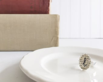 adjustable {l} vintage dictionary initial ring
