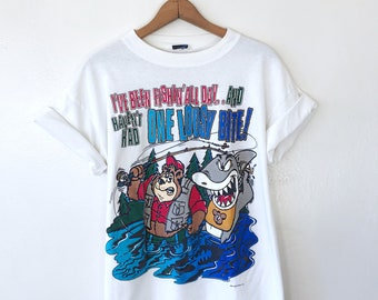 Vintage 90s I've Been FISHING All Day & Haven't Had One LOUSY Bite Bear Shark Funny Outdoor T Shirt Sz L