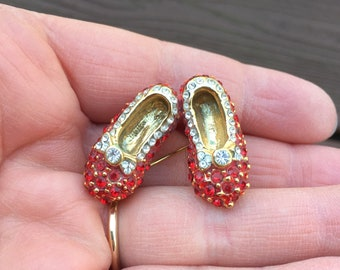 Vintage Jewelry The Wizard of Oz Dorothy's Ruby Red Slippers Shoes Pin Brooch