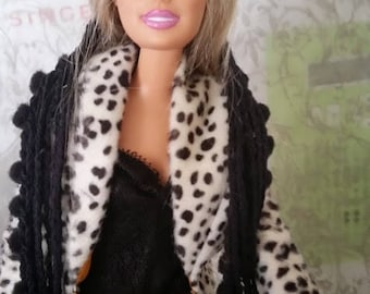 Antiquing Barbie- Barbie Clothes- Barbie Outfits- Barbie