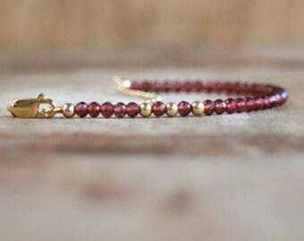Garnet Bracelet, Gift for Mom, Gift for Women, Beaded Bracelet, Gemstone Bracelet, Garnet Jewelry, January Birthstone Bracelet, Dainty, Boho