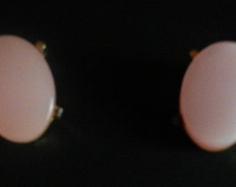 LERU Vintage Pink Thermoset Oval Silver Tone Clip On Earrings