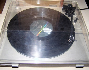 Vintage Realistic Lab 320 Turntable