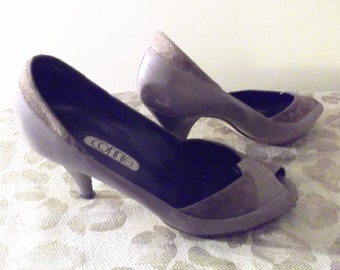 1980's Vintage Taupe Shoes