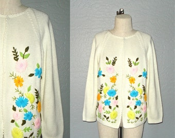 Vintage 60s sweater FLORAL EMBROIDERY cream cardigan - M/L