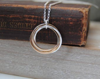 3 Rings Necklace, Mixed Metals, Silver, Gold, Rose Gold Necklace, Interlocking Rings, 30th Birthday Necklace