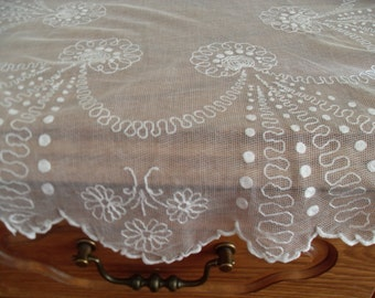 Doily Hand Embroidered Tulle antique 20s french.Tulle ricamato a mano