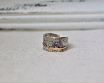 Oxidized Sterling Silver Ring with a round 3 mm Rhodolite Gemstone - Jewelry 925 - Size 7