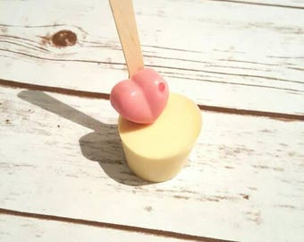 Valentines White Hot Chocolate Spoon Stirrer with Strawberry Chocolate Heart