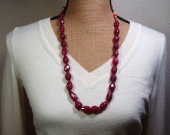 Huge Genuine Earth Mined 530.00 Carats of Quality Brazilia  Deep Red Ruby Gemstones Necklace