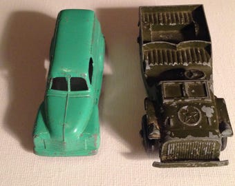 Two vintage 1940s/1950's Tootsie Toy cars