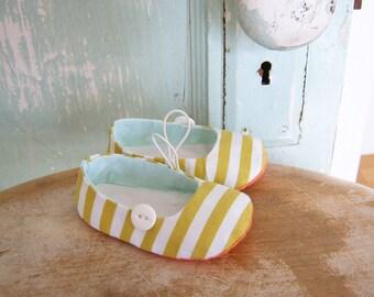 DIY Baby Shoe Pattern.  Sale.  Sewing Pattern PDF.   Vintage Flair Baby Bootie