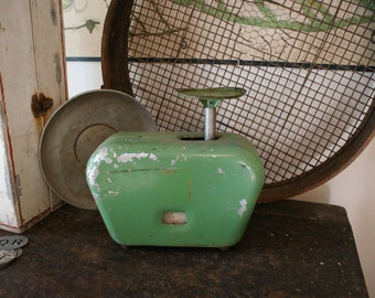 vintage kitchen scales / made in australia / vintage kitchen scales / vintage kitchen / antique scale / antique scales / postal scales