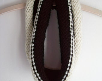 Black and winter white rolled knit woll cowl