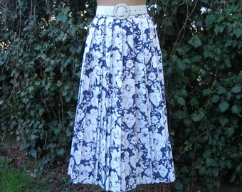 Pleated Skirt  / Pleated Skirts / Skirt Vintage / Accordion Skirt / Blue / Navy / Size EUR38 / UK10