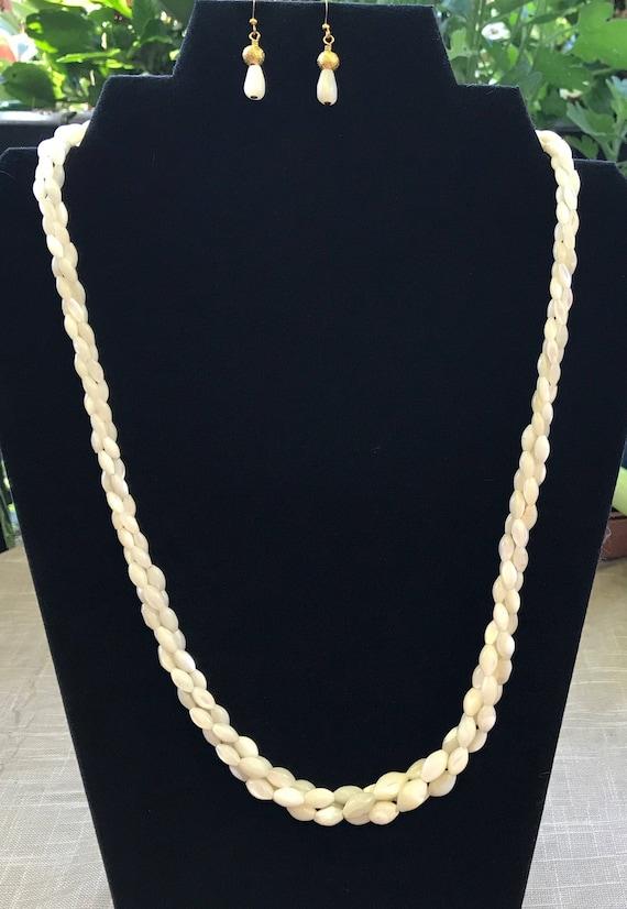 Vintage Mother of Pearl Necklace Set