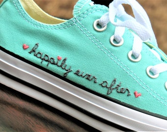 Personalized gift, personalized gift shoes, CONVERSE, hand embroidered, custom wedding, bridesmaid, wedding party, personalized student gift