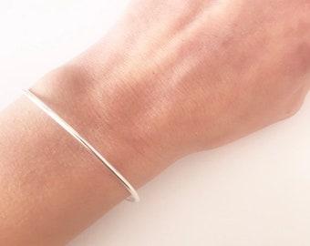 Gold bangle, Layering bracelet, Sterling Silver bangle, Layering bangle, Minimalist bangle, Soft bangle, Oval bangle, minimalist jewelry