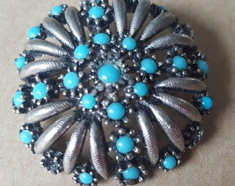 Vintage Brooch Pin Turquoise Silver Pewter Tone Floral Circular Flower Brooch