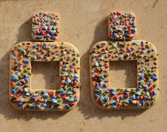 earrings with colorful crumbs