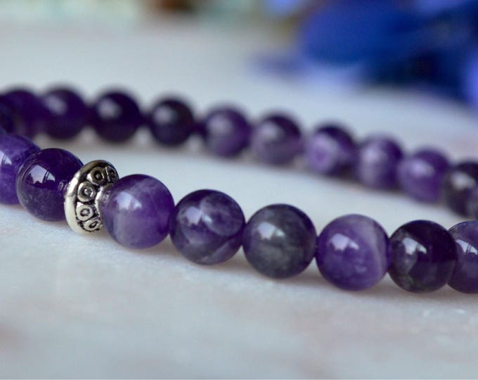 Beautiful amethyst gemstone bracelet, natural gemstone jewellery, yoga lover gift, feminine bracelet, gift for her, special gift for her