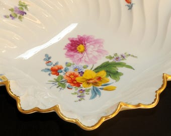 NYMPHENBURG PORCELAIN BOWL · Floral decor · ribbed · Waves edge · Gold rim