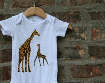 cute baby Onesie®, giraffe baby clothing, giraffe baby gift, giraffe Onesie®, giraffe shower gift, baby neutral, cute baby gift,