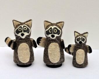 Family of Raccoons, Peg Dolls, Handmade, Wooden Peg Animals, Animal Peg Dolls, Wool Felt Animals,