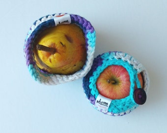 Handmade Crochet fruit cozy - apple cozy - Lunch bag buddy- Pomme glacée