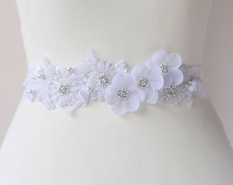 Bridal white sash, floral sash, flowers sash wedding pearls rhinestone sash, white flower romantic wedding accessories lace