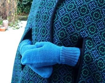 Daisy Mittens Knitting Pattern PDF