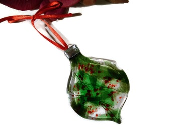 Retro Christmas Ornament, Fused Glass, Old Fashioned, Round, Red, Green
