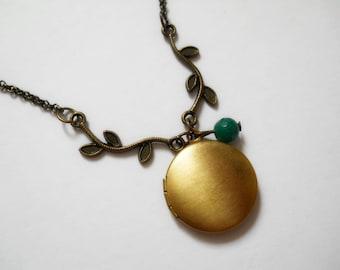 Small locket, round locket, brass locket, tree branch locket, photo locket, locket necklace, locket jewelry,  photo frame, picture locket