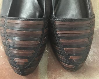 1980s Vintage Bass Black Brown Leather Woven Flats Shoes 6 1/2
