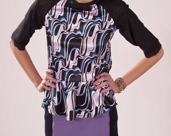Printed shirt seventies with a bow on the neckline