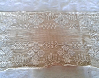 Vintage Hand Made Twenty-Five by Thirteen Inch Doily Or Scarf
