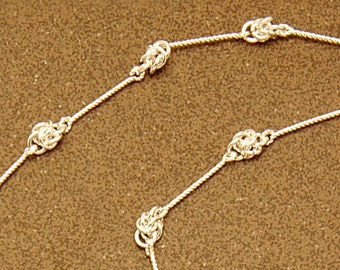 Aztec spectacle chain : Silver-plated knots on silver chain