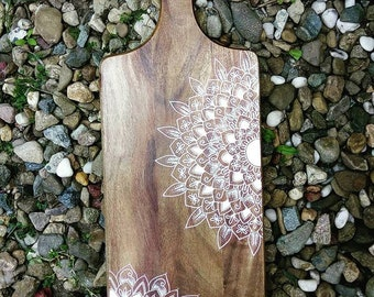 Mandala on Rectangle Wood Board