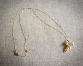 Pretty, pretty pearl necklace