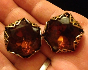Beautiful Large Vintage Topez Crystal and Filigree Vintage Clip On Earrings