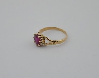 14k Yellow Gold Estate Red Topaz Ring Size 7.5