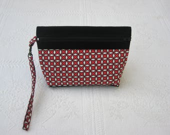 Clutch with removable strap, black and cotton canvas red, black and white